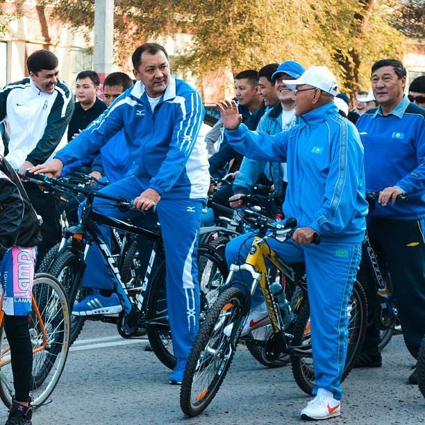 Аким на велосипеде