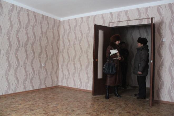 Зал даже в однушке арендной квартиры по метражу – свыше 20 квадратных метров.