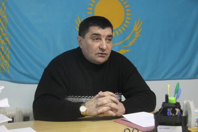 На вопрос о пьющих сотрудниках юрист Сергей Шуклин сразу отрезал: «Таких не держим, увольняем сразу!».