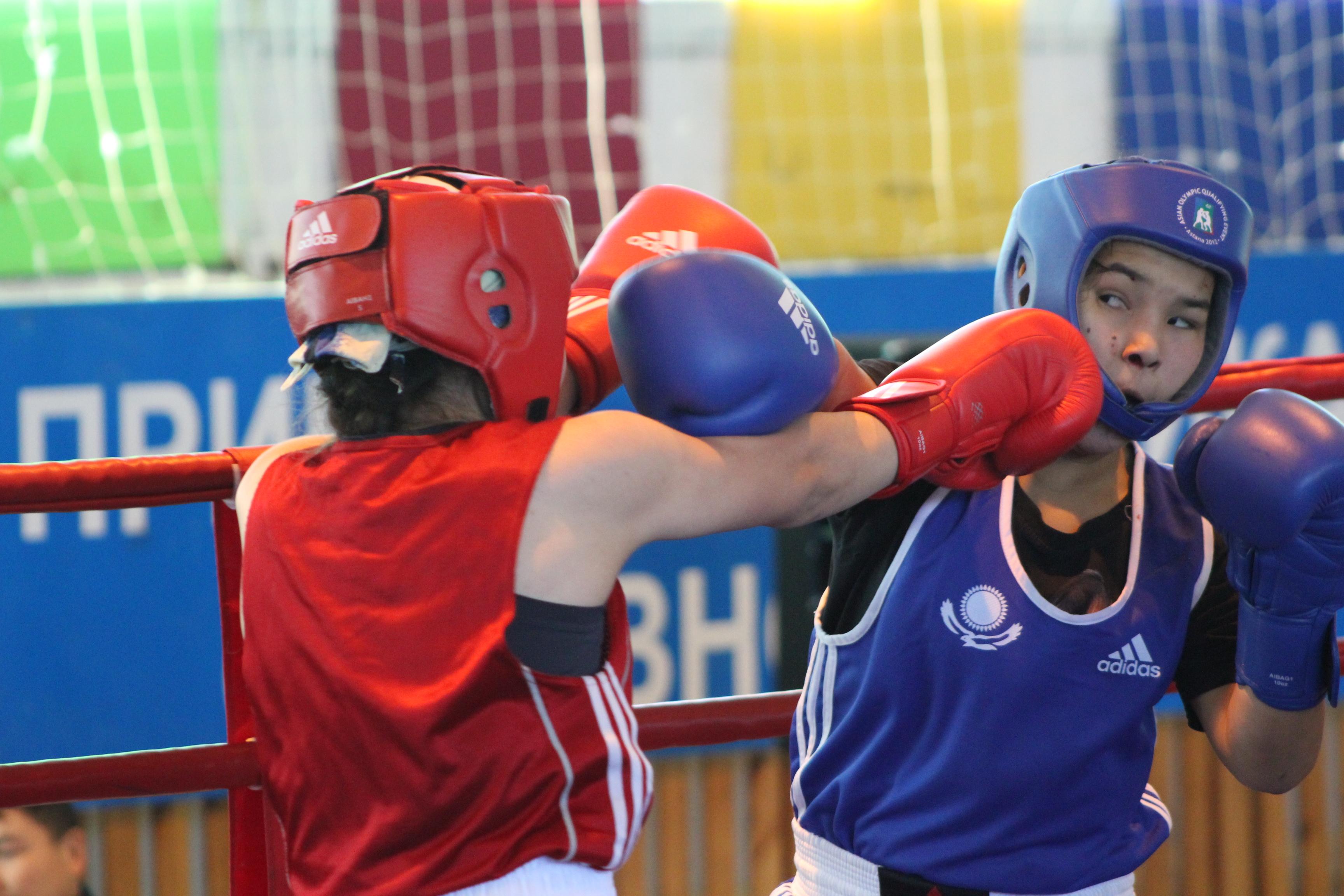 Боксерши на ринге