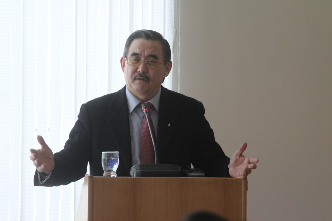 Ректор КазНМУ Айкан Аканов. Фото Алексея Беляева