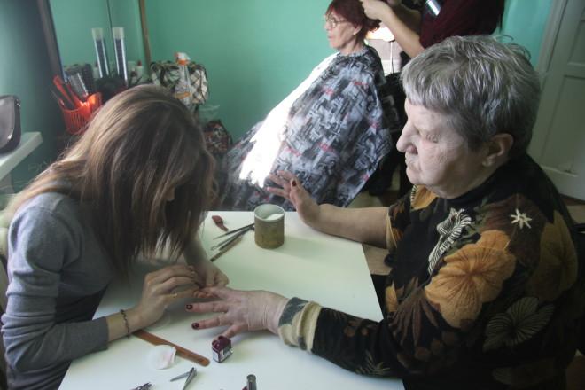 """Нина Ивановна Варельджи-Оглы: """"Прическа моя меня устраивает, а вот ногти хочу самые красивые!"""
