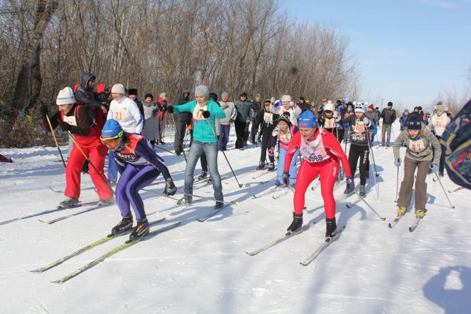 Лыжные забеги проводились на дистанциях 1,5 и 10 километров.
