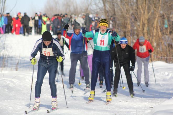 Возраст лыжам не помеха! Владимир Однокулов – постоянный участник лыжных забегов, выступает в возрастной группе старше 70 лет.