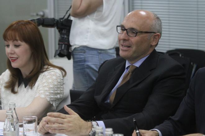 Дамианно Ратти с переводчицей - фото Рауля Упорова
