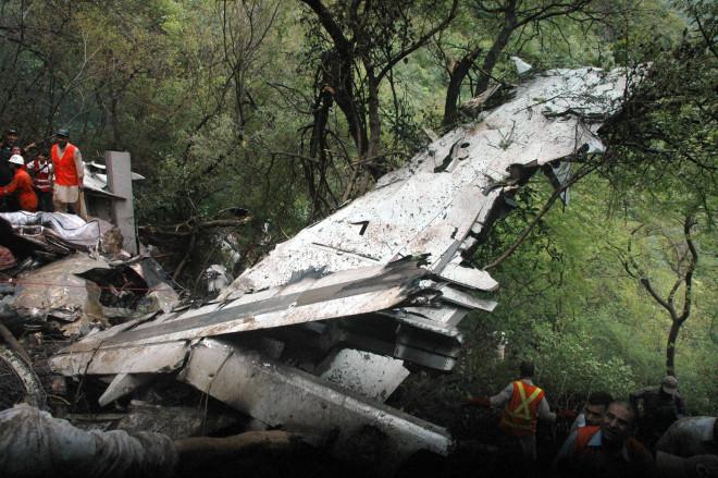 В мае 2012 года Sukhoi Superjet 100 разбился во время показательного полёта в Индонезии. Погибло 45 человек.