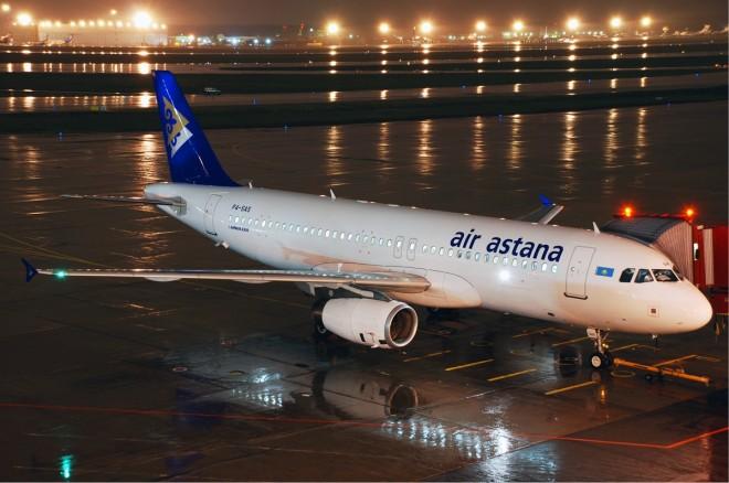 Air_Astana_Airbus_A320_Petrov