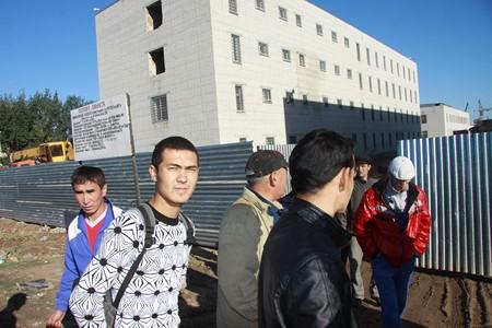 В сентябре 2012 года рабочие, строящие колонию строгого режима, вышли на забастовку из-за задержки заработной платы.