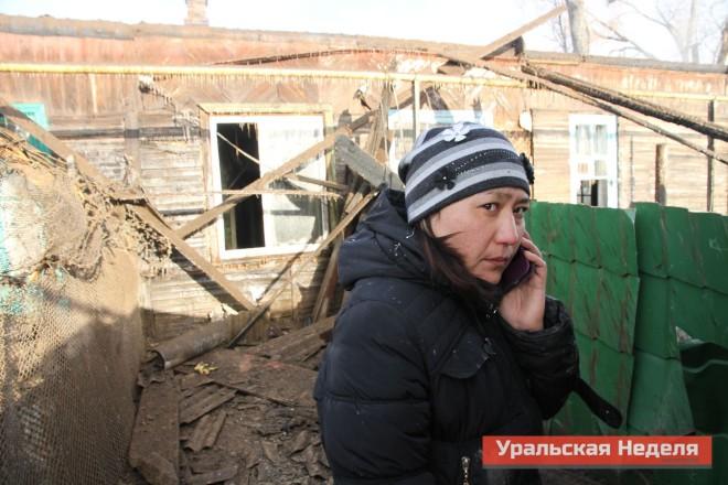 Эльвира Умарова успела разбудить своего младшего брата и вывести его из дома.