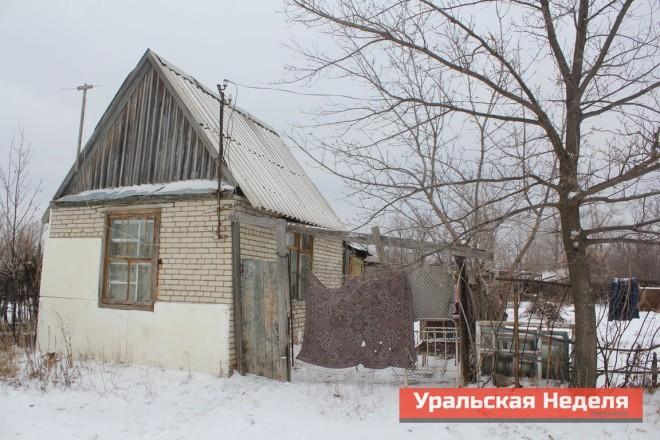 В этом доме, кроме Анастасии и ее троих дочерей, проживает еще семь человек.