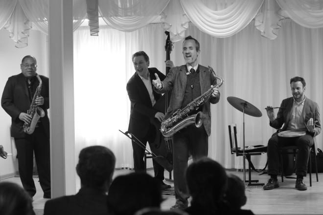 Группа Ари Роланда во время мастер-класса в музыкальной школе № 2 г.Уральска