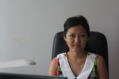 главный специалист сектора по защите инвалидов и ветеранов Гульназ Адильбековна КЕНЖЕГАЛИЕВА.