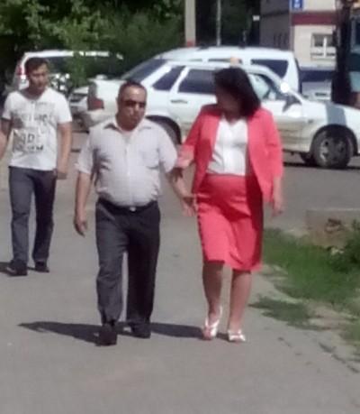 Багдат Куншигаров (в центре) и Индира Берниязова (крайняя справа)