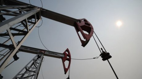 Нефтяной станок-качалка. ©РИА Новости