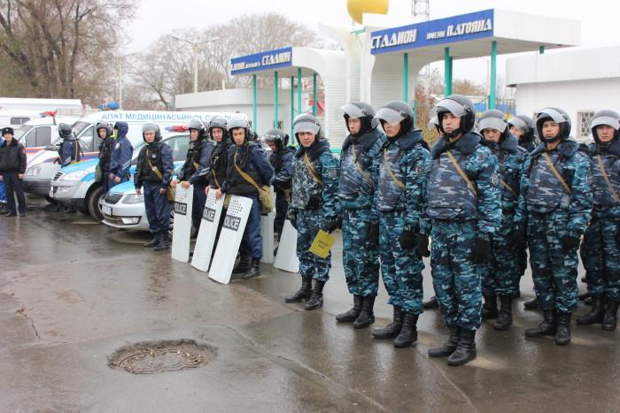 Полицейские задействованы для отцепления участка действий