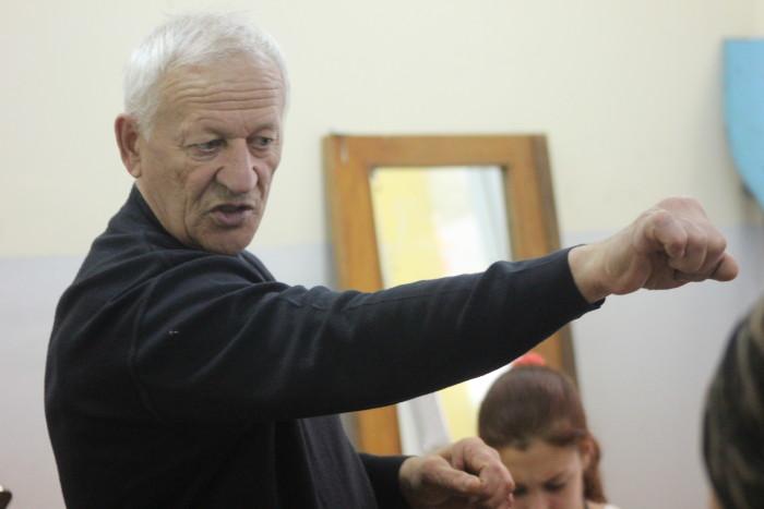 Тренер Виталий Астафьев