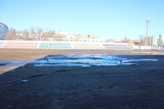 Очевидно, что попытка залить лёд уже была проделана сегодня
