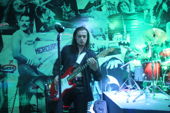 Гитарист Ворона Виталий Рутковский