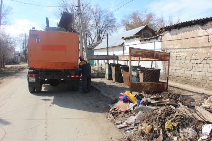 """""""После субботника мусора очень много"""", - говорят сотрудники """"Орал таза сервис"""""""