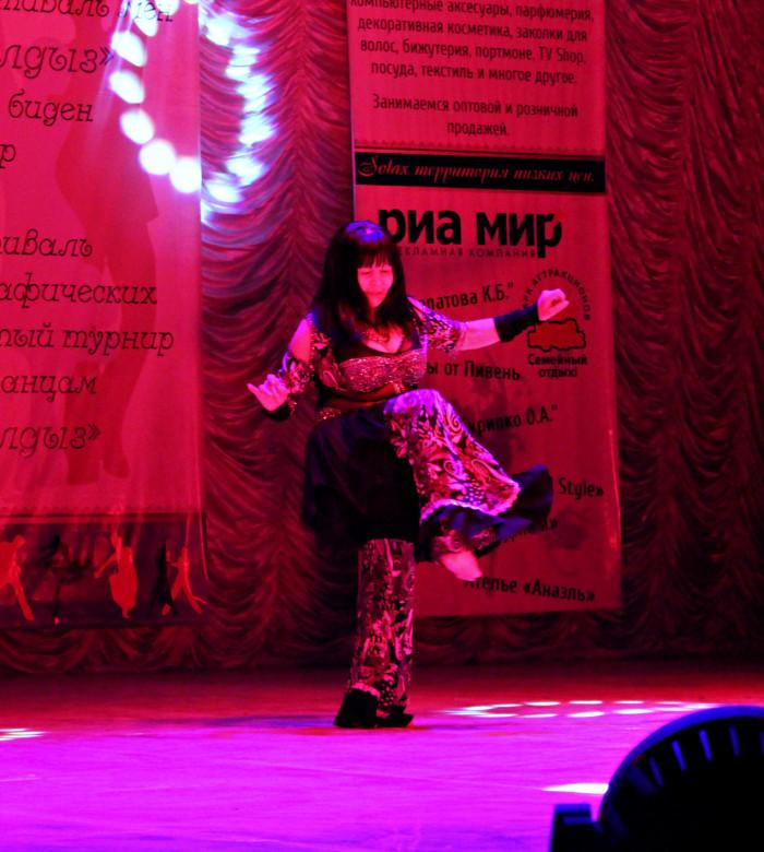 Кылмырзы Джалмухамбетова - самая опытная танцовщица, ей 58 лет