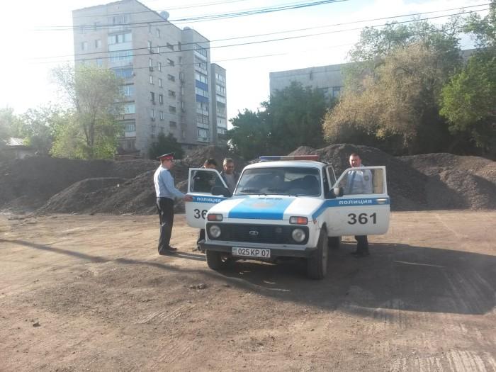 Б. Алипкалиева увозят в спец приемник УВД г. Уральска с зала суда