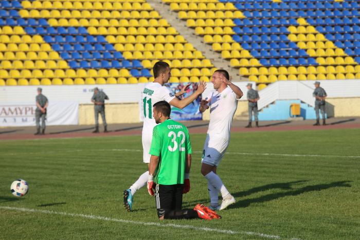 Срджан Остойич раздосадован третьим пропущенным мячом