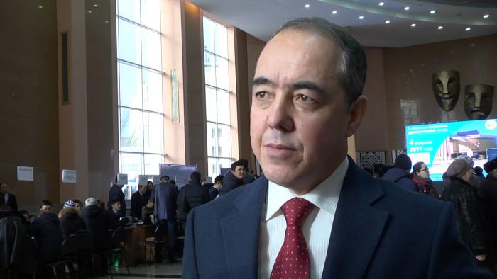 Аким Уральска Нариман Турегалиев, предлагает жителям города выбрать решение как сохранить общественный транспорт в городе.