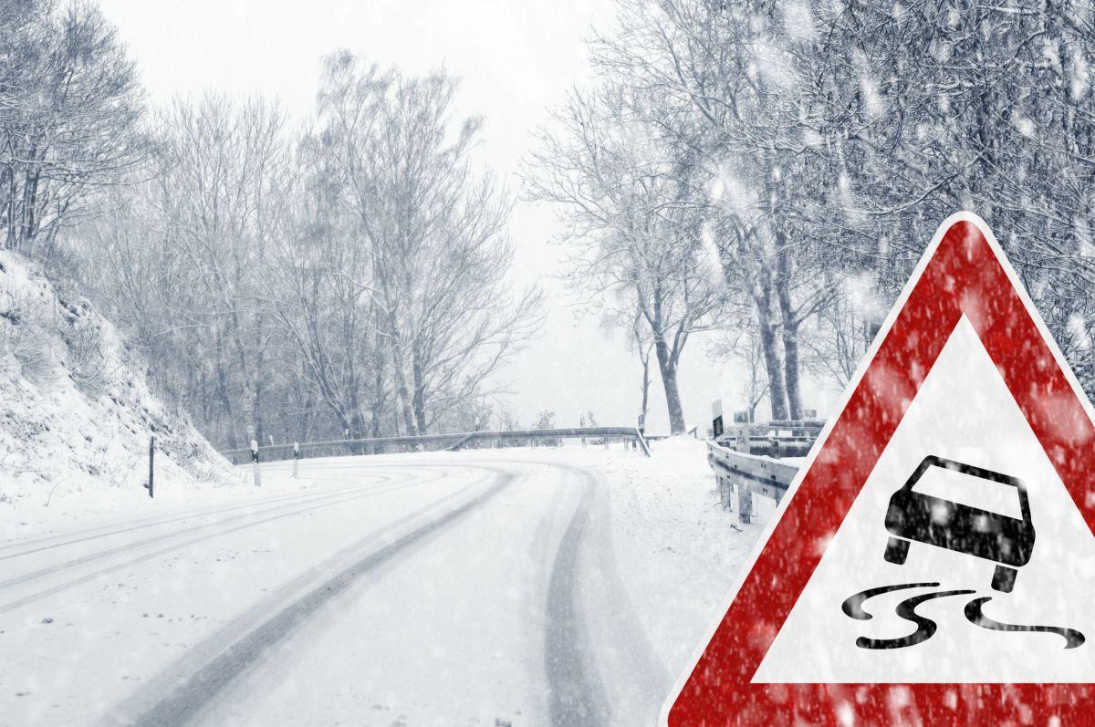 Из-за гололёда закрыта трасса в ЗКО