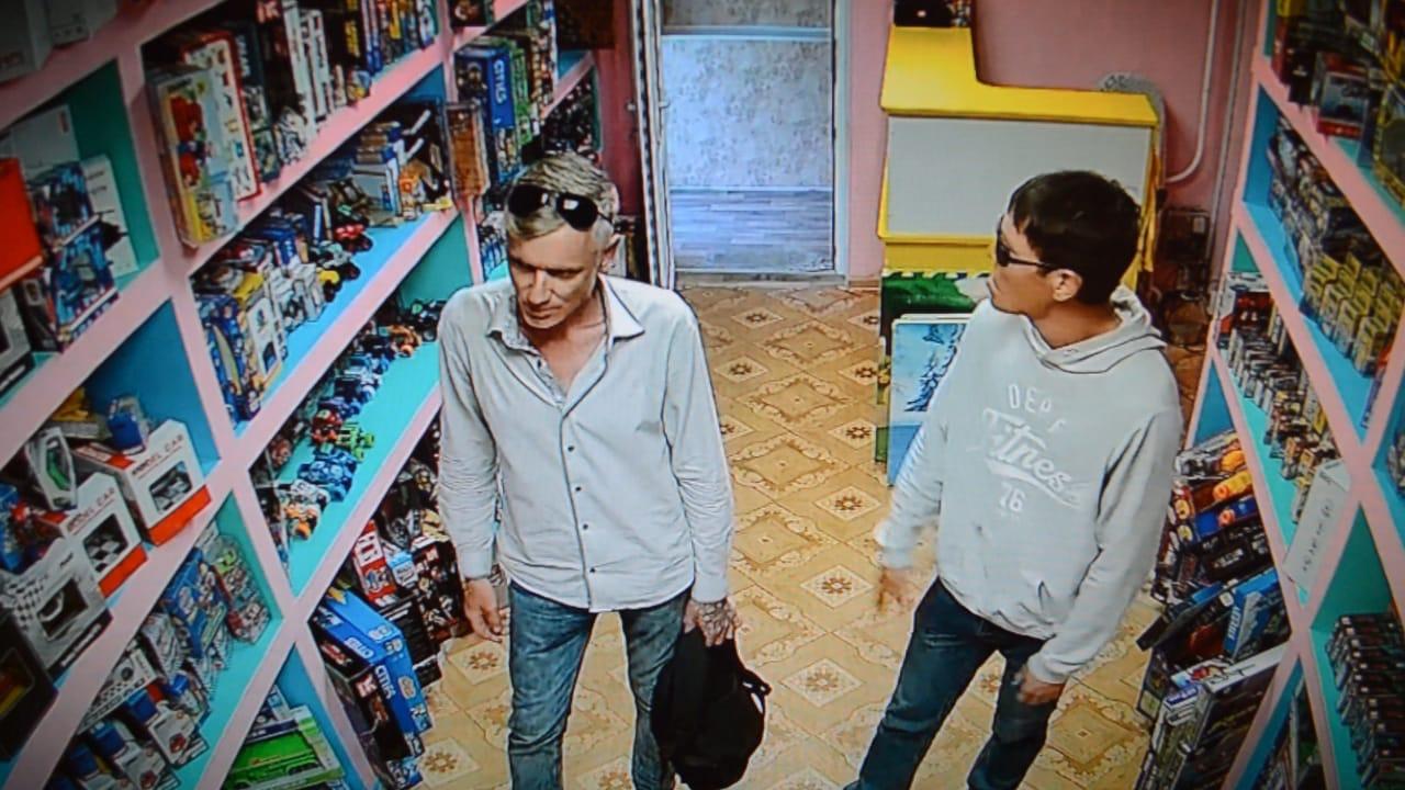 В Уральске задержаны подозреваемые в ограблении магазина игрушек