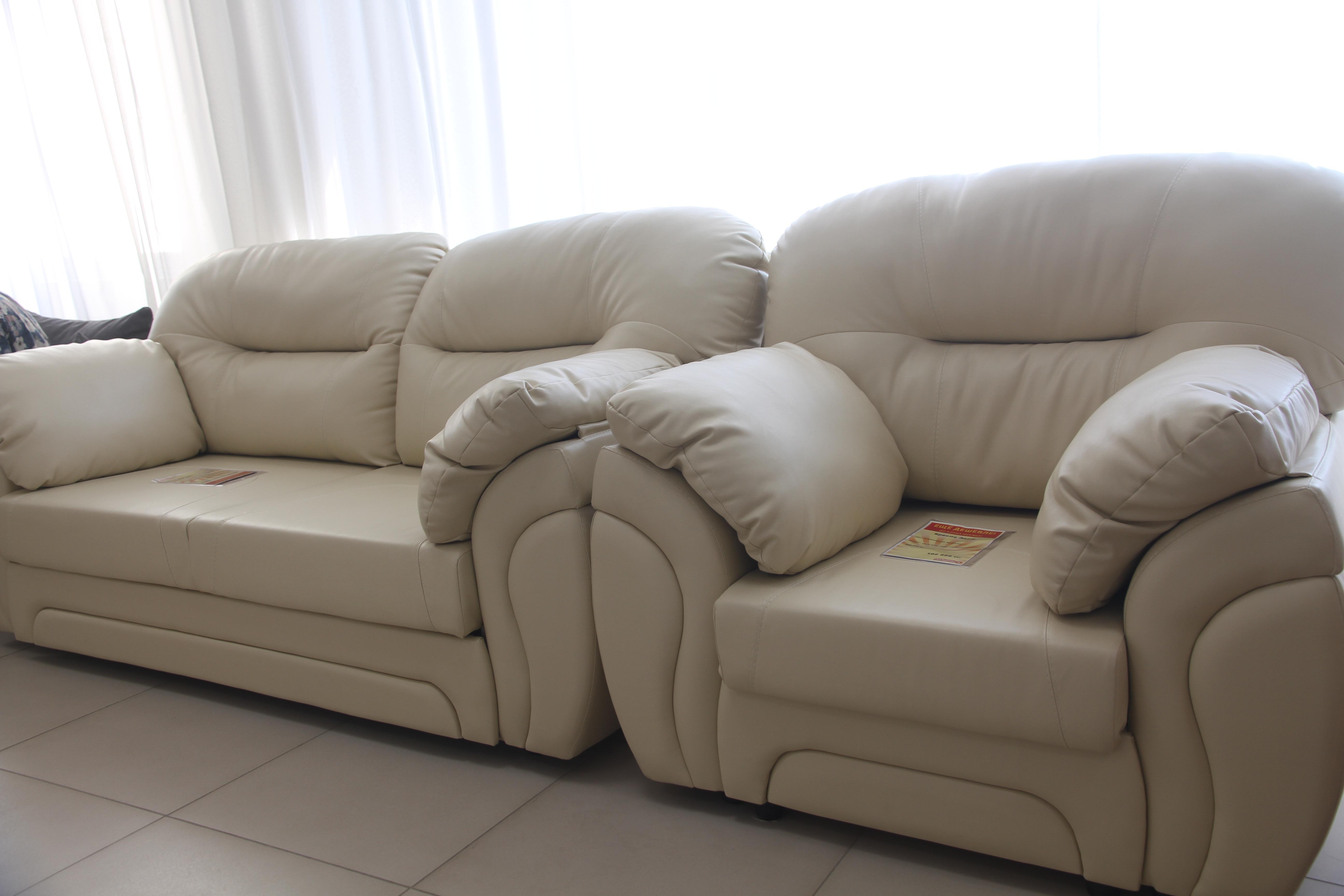 c86d41f0 В мебельном дисконт-центре «Полцены» можно приобрести мягкую мебель –  диваны и кресла, пуфики и топчаны, здесь есть также мебель для гостиных,  спальни, ...