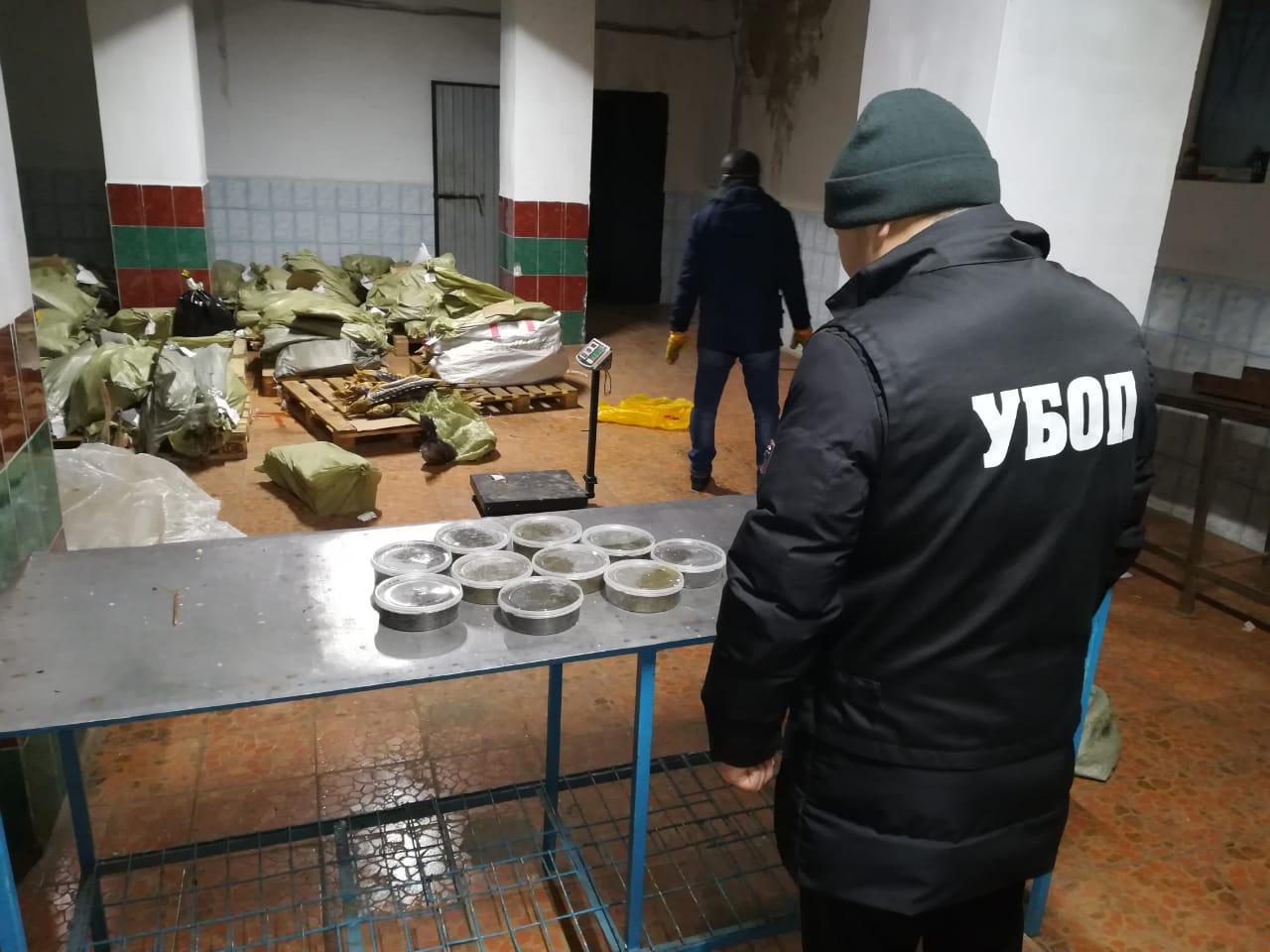 В ЗКО полиция изъяла свыше двух тонн осетров